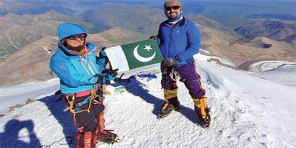 ثمینہ بیگ کا 7 براعظموں کی 7 بلند ترین چوٹیاں سر کرنے کا اعزاز