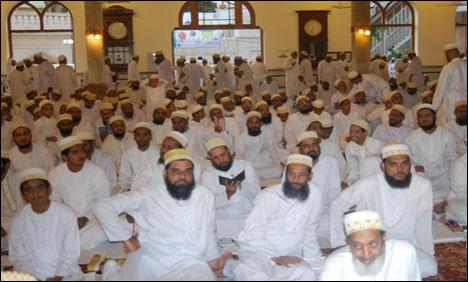 داؤدی بوہرہ جماعت آج عید الفطر عقیدت اور احترام سے منارہی ہے