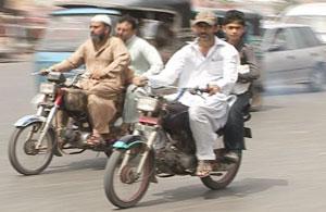کراچی میں ڈبل سواری پر یکم اگست تک پابندی عائد