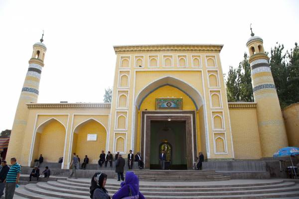 Imam of China's biggest mosque killed in Xinjiang