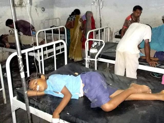 175 سے زائد بھارتی طلبا یوم آزادی کا ''لڈو'' کھاکر اسپتال جا پہنچے