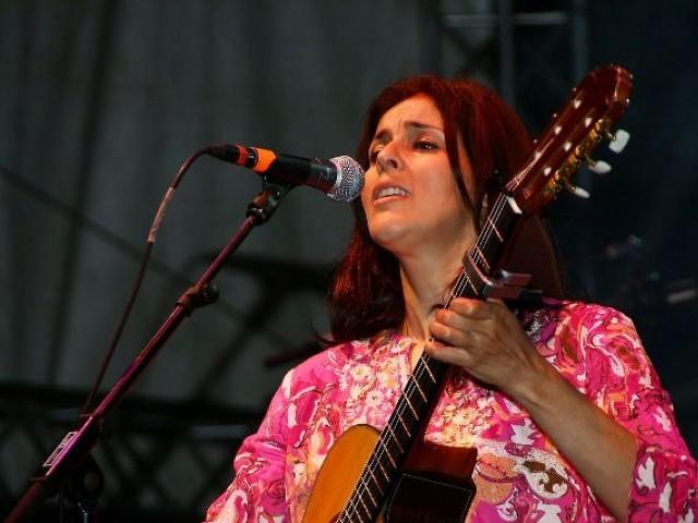 الجزائری گلوکارہ نے فلسطینیوں کے قتل عام پراسرائیل میں گانے سے انکار کر دیا