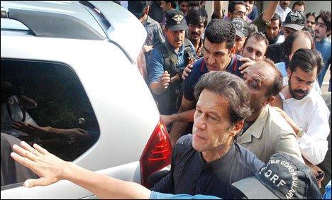 عمران خان کے آزادی مارچ کے لئے کنٹینر تیارکر لیا گیا