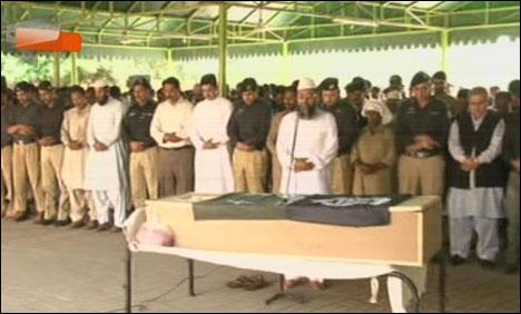 عوامی تحریک کے کارکنوں کے تشدد سے جاں بحق2کانسٹیبلوں کی نمازجنازہ