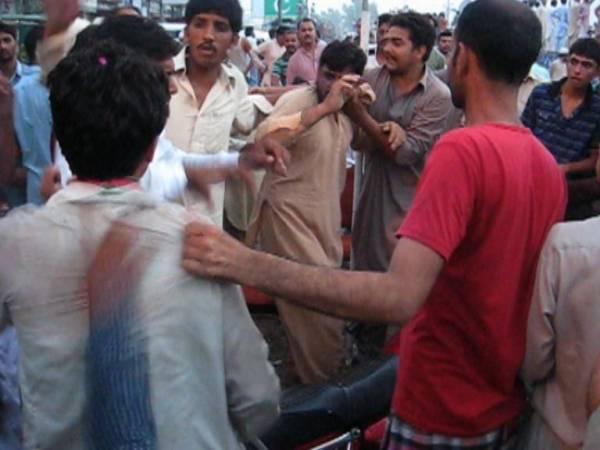مرید کے میں تحریک انصاف کے کارکنان کھانا نہ ملنے پر گتھم گتھا