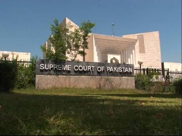 Supreme Court summons Khan, Qadri