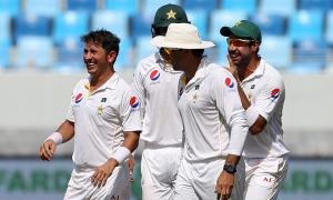 پاکستان فتح سے چند قدم دور