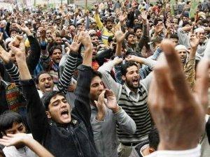 کشمیری عوام آج بھارتی قبضے کے خلاف دنیا بھر میں یوم سیاہ منا رہے ہیں