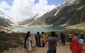 Kaghan valley closed to tourists for safety