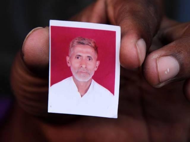 بھارت میں گائے ذبح کرنے کے الزام میں ہندوؤں کے تشدد سے ہلاک اخلاق احمد کے اہلِ خانہ کیخلاف مقدمہ درج