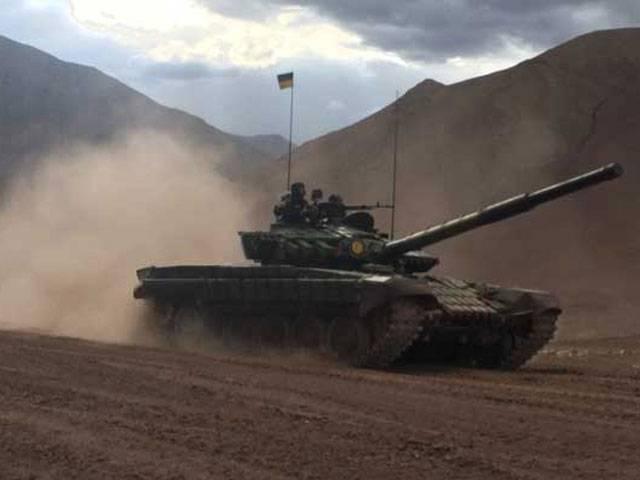 بھارت نے چین کی سرحد کے قریب 100 سے زائد ٹینک کھڑے کردیئے