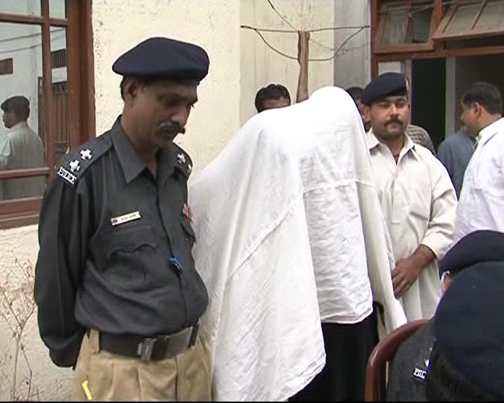 two-suspected-target-killers-arrested-in-karachi