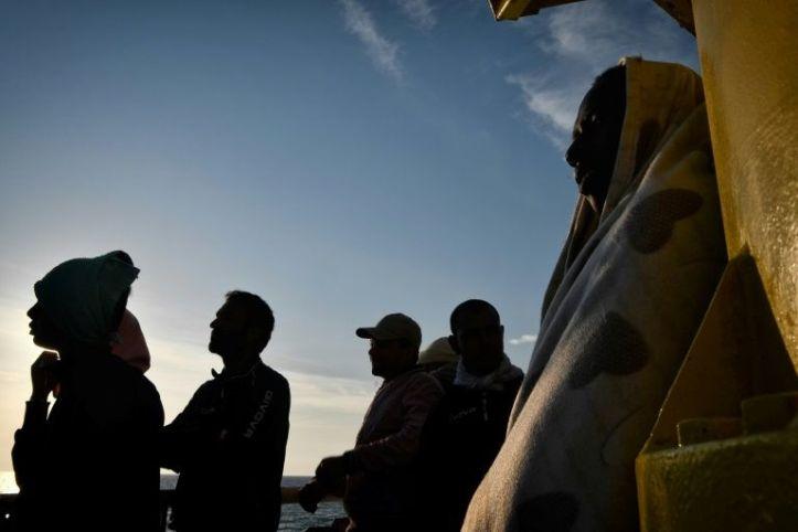 Italian govt adopts tough anti-migrant decree
